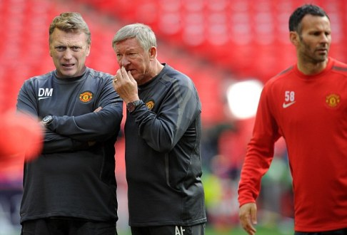 Fergie Teaching Moyes How To Be A Complete Bastard